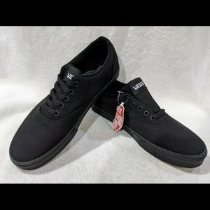 Vans Skate Shoes 9.5 Black Canvas Authentic NWT